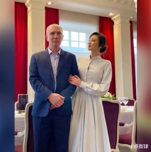 女排莎宾娜:长相甜美却疑似整容,曾为马云站台,如今嫁电商富豪