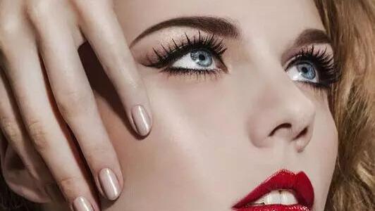 这样的妆让你的眼睛更大更迷人