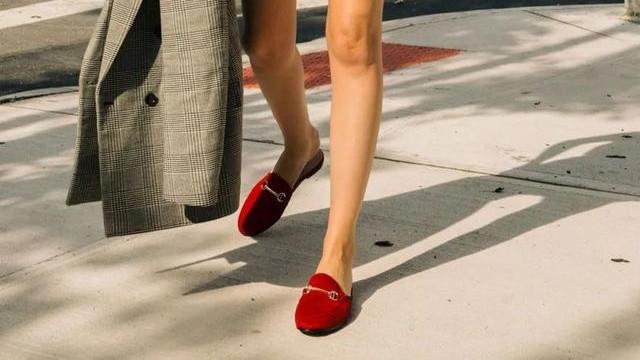 高级+百搭,初秋穿搭先入一双红色单鞋