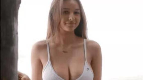 """有一种""""黄金比例""""叫苏菲·穆德,21岁的欧美超模,网友:天生的魔鬼身材"""