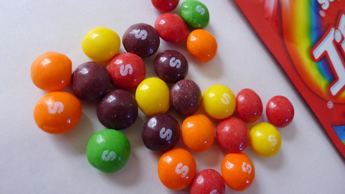 好吃好玩的彩虹糖,脆脆的外壳包裹着不同夹心,刺激你的味蕾
