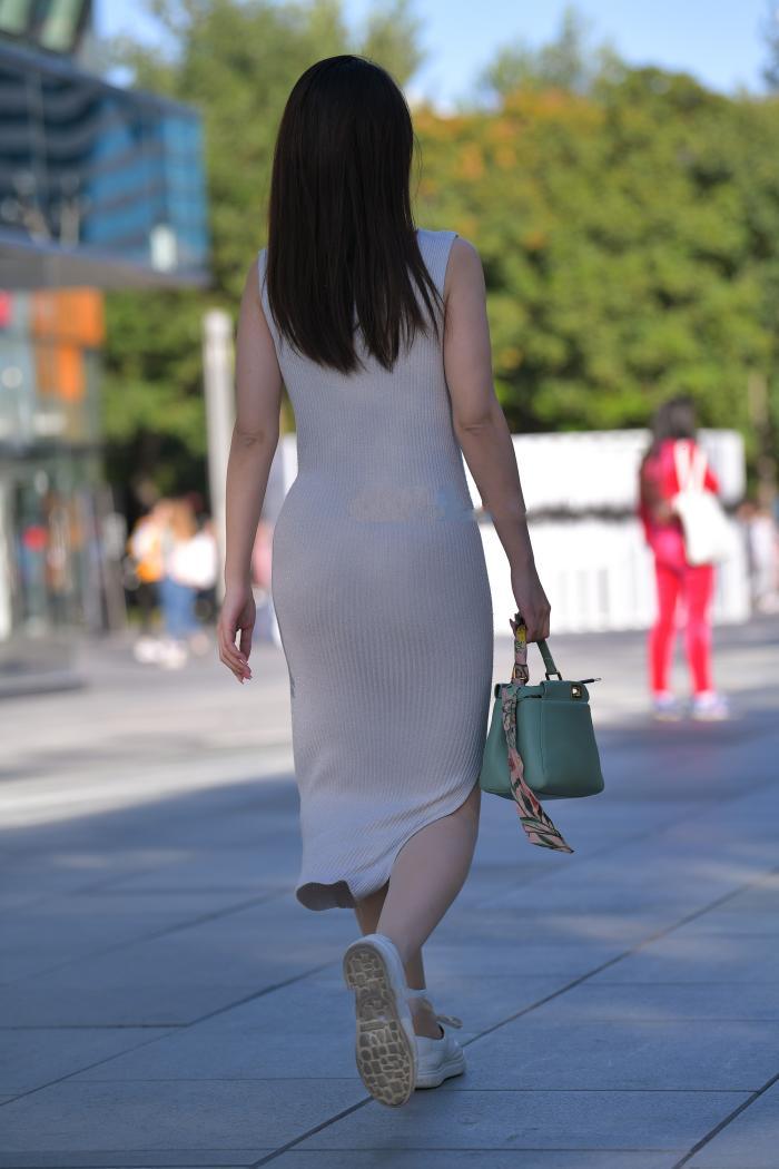 椭圆形的领口设计,只可惜不是裤子,换另一设计更完美了插图6