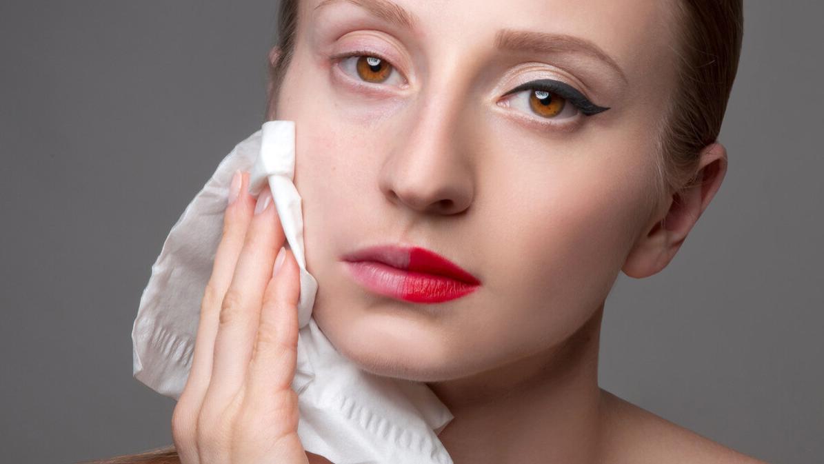 口红掉了还要不要用卸妆水卸妆?
