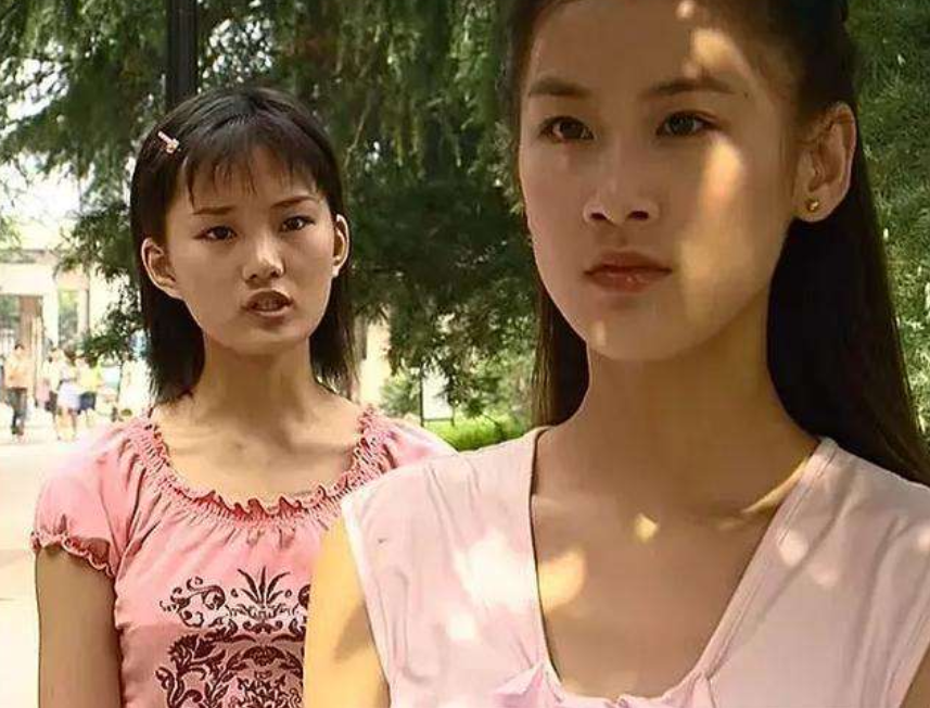 """有一种""""整容""""叫17年后的萧晴,掀刘海化浓妆,美到心脏砰砰跳!"""