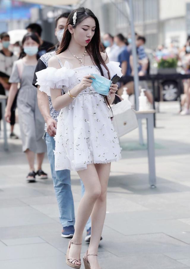怎样穿着才优雅,展示气质的女生裙装穿搭,大方好看值得借鉴