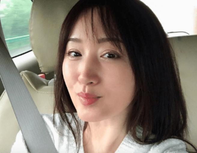 杨钰莹为何47岁无人娶?看完这些照片后,网友:换我,我也不敢娶啊