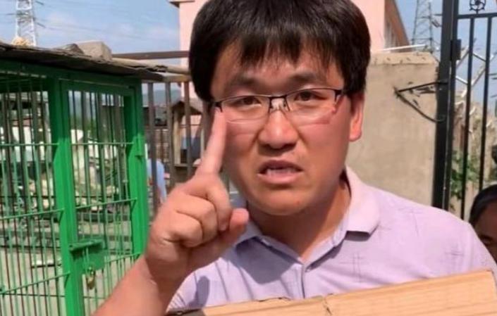 """学吴京""""砸家产""""拍电影当导演,结果票房才0.002亿血亏,今沦为网红"""