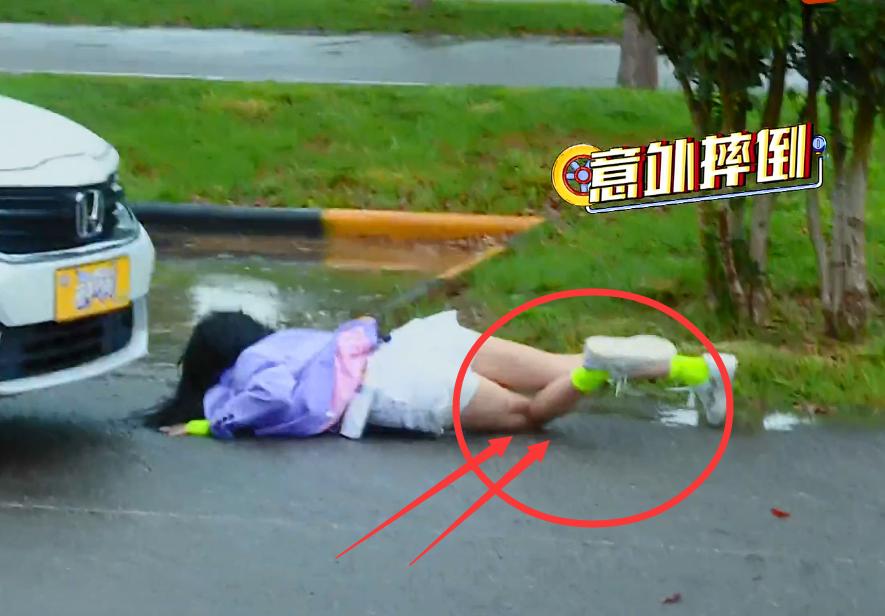 综艺节目的滤镜有多厚,看到吴宣仪的伤口,观众:真当我傻