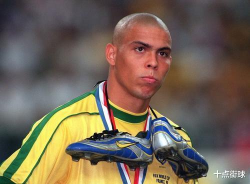 98世界杯巴西丢冠最大谜题,赛后法国为何免除巴西3亿美金债务