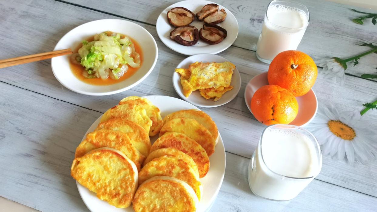 夫妻俩的早餐,高蛋白多果蔬,花钱不多却吃得好