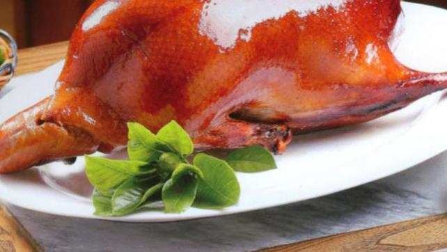 皮脆肉嫩,肥美肉滑,安徽人家经典徽菜之大观园烤鸭