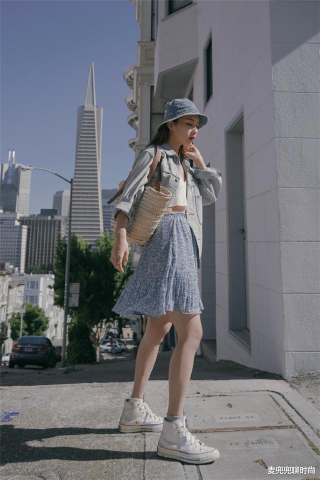 """没腰、有肚子的女人尽量别""""塞衣角"""",学这样穿,遮肉显瘦还时髦"""