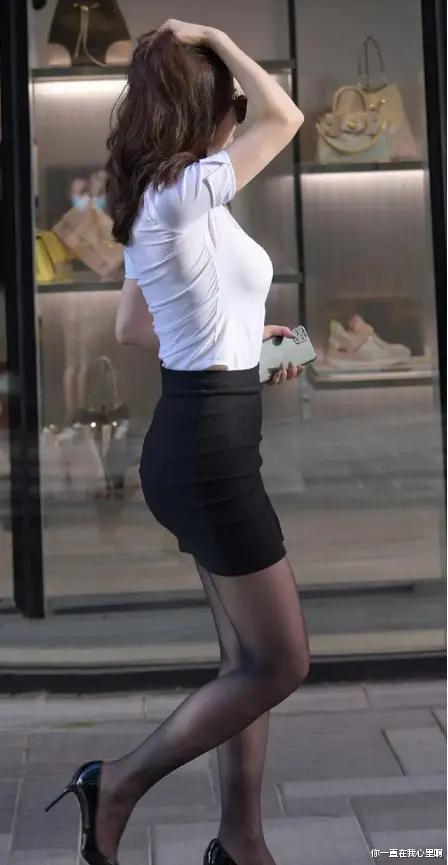 """""""一步裙""""适合身材高挑双腿修长的女孩穿,展现女性端庄优雅气质"""