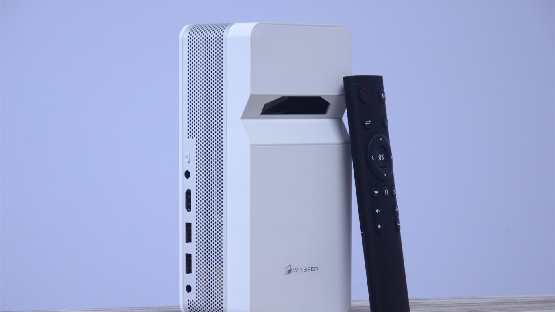离墙半米可投90英寸画面,小户型专用?慧示P9超短焦投影仪评测