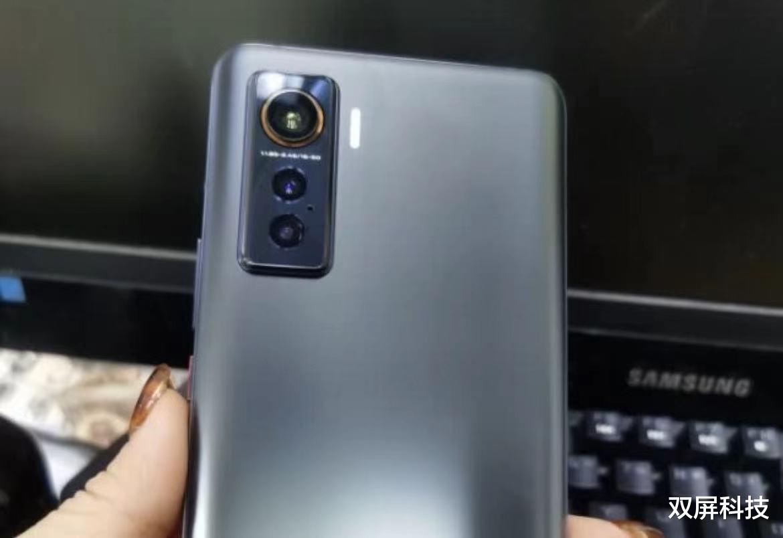 为什么不用LPDDR5?荣耀V40搭载天玑1000+,性能远 数码科技 第3张
