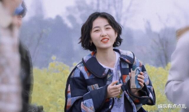 张子枫调侃谭松韵:想不想再来《向往5》做客?谭松韵回应笑翻全场