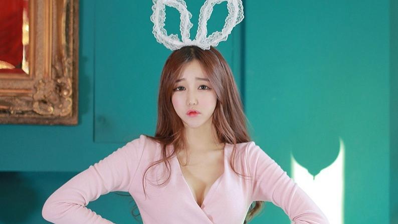 高级感的连衣裙是怎么穿出来的,这小兔子太可爱了