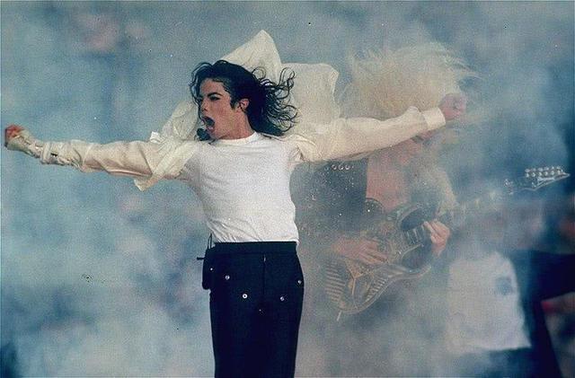 距离演唱会5天前去世,卖百万张门票却没一人退
