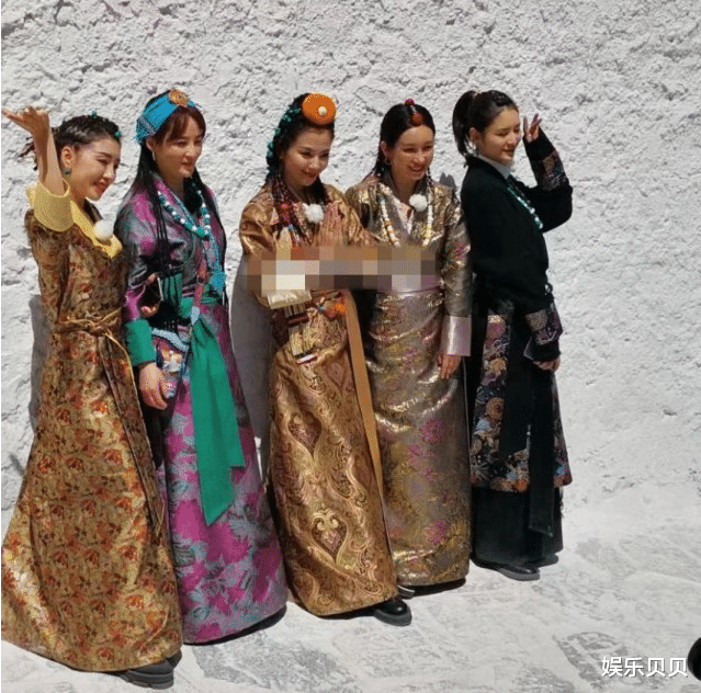 《妻子的浪漫旅行》嘉宾穿藏族服饰,张馨月打扮老,刘涛不是最美