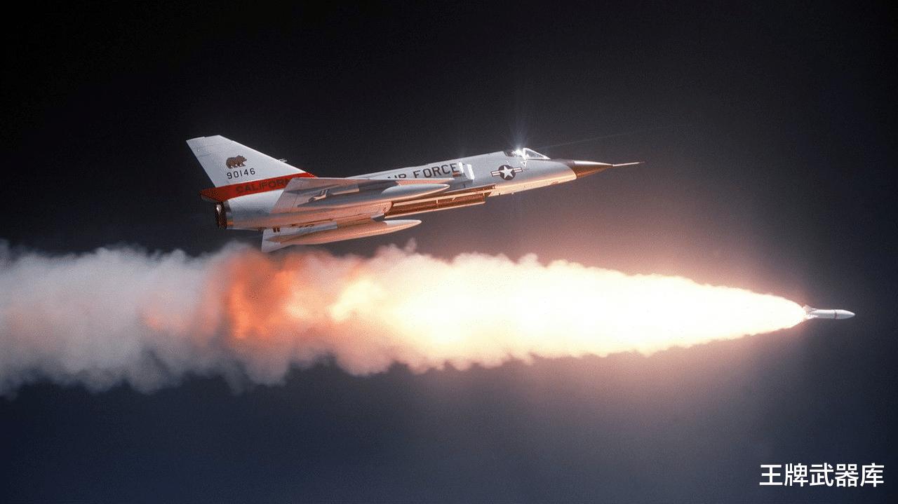 戰機被導彈鎖定後,為何就隻能躲避?能飛到導彈後方將其擊毀呢?