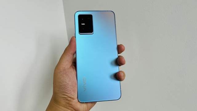 自费评测vivo S10,又一款高价低配手机,但背面颜值是巅峰?