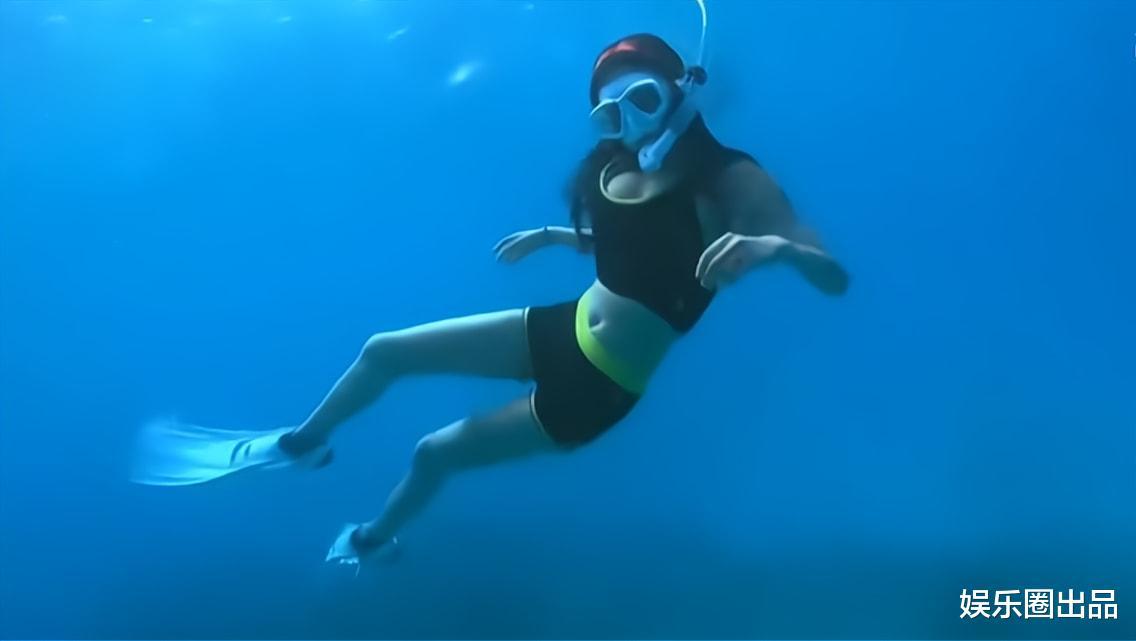 """熊黛林潜水视频曝光,对镜头挥手引起热议,被赞""""安全意识很高""""(熊黛林采访)"""