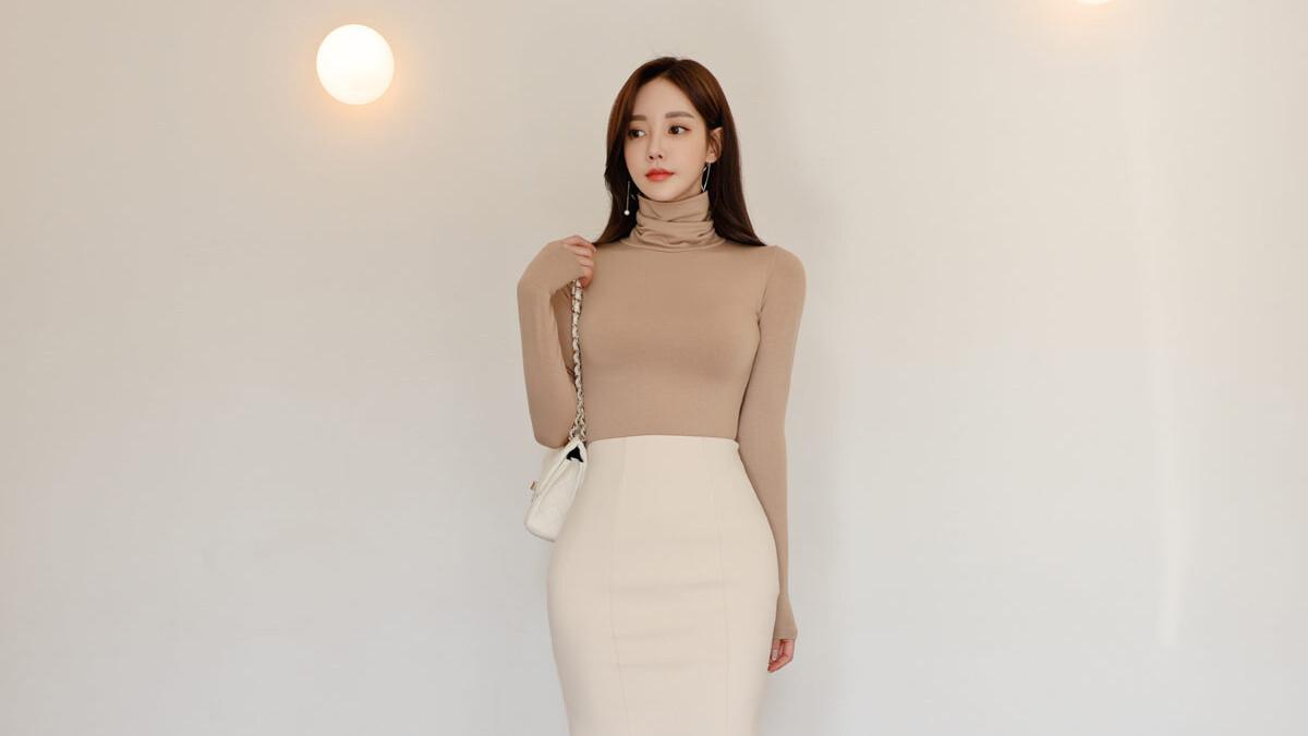 热门时尚女装搭配,2021最新孙允珠时尚写真, 炫棕橡木高领堆叠淑女气质裙