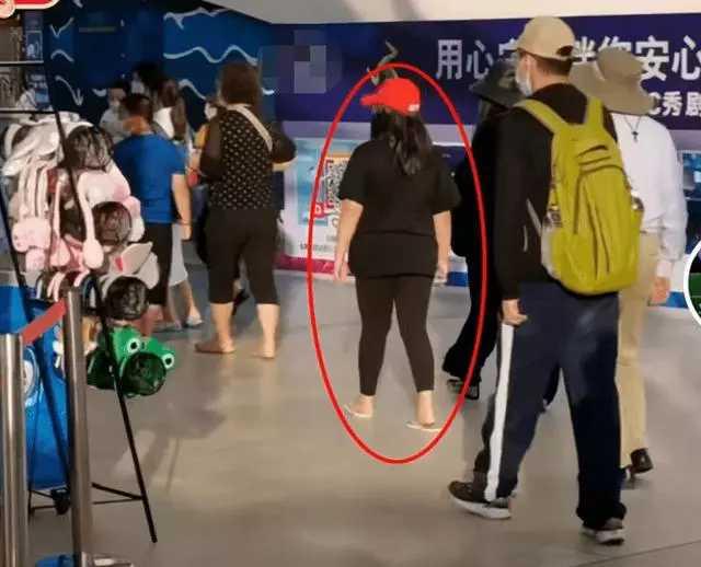 11岁的王诗龄身高1米7,每月伙食费7万元,网友:李湘钱没白花