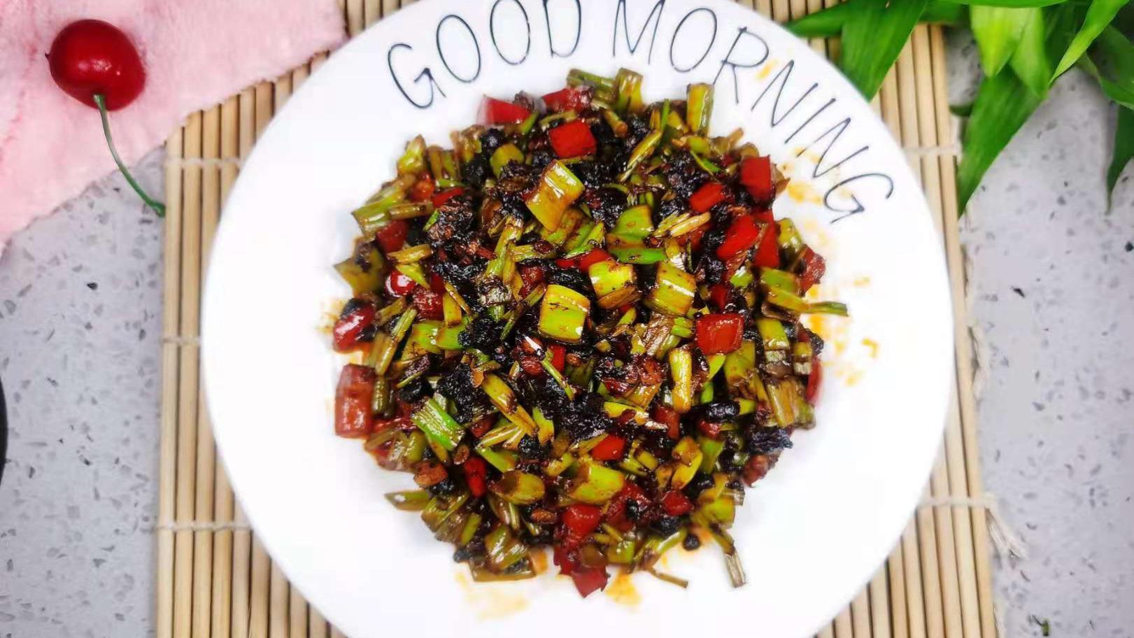 夏季最该吃的不是芹菜,而是它,随手一炒,开胃解暑,越吃越瘦