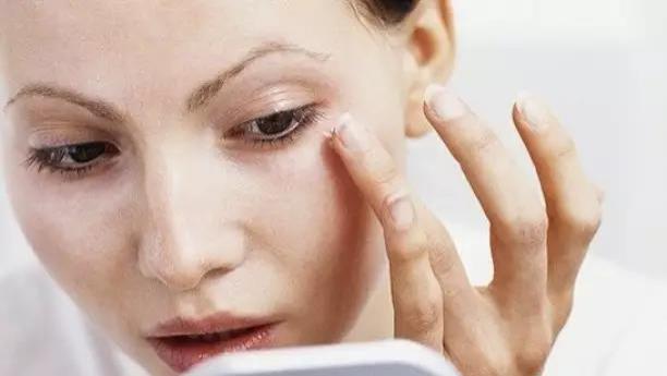 为什么你的眼霜总是没效果?一次性告诉你8个眼霜真相,原来是这样!