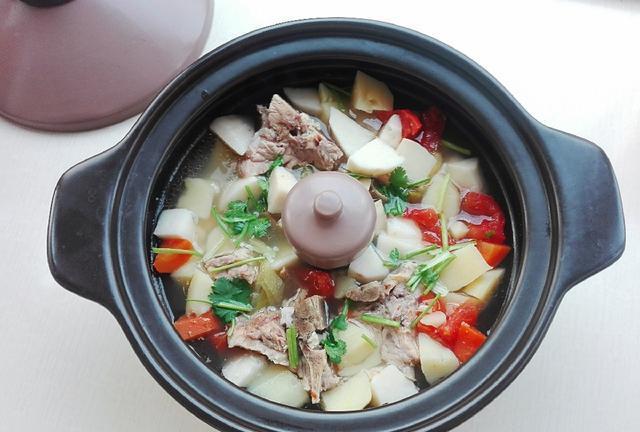 排骨和它是绝配,切成块锅中一煮,汤浓肉香无腥味,营养高又解馋