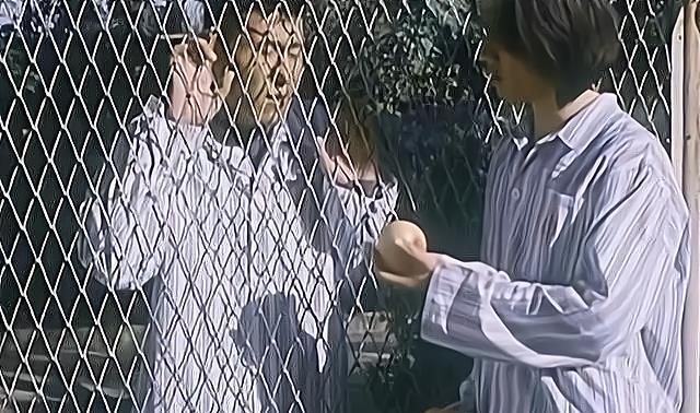 yy娱乐新闻_贾宏声:他当着父亲面跳了楼,留下了一辆被砸坏的车和周迅的眼泪