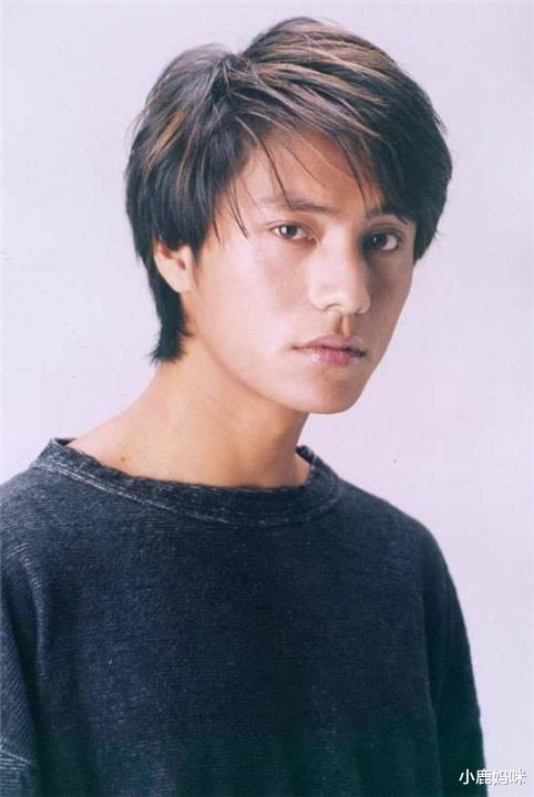"""有种""""冻龄明星""""叫陈坤,和儿子合照像兄弟,网友:爸太嫩儿太老"""
