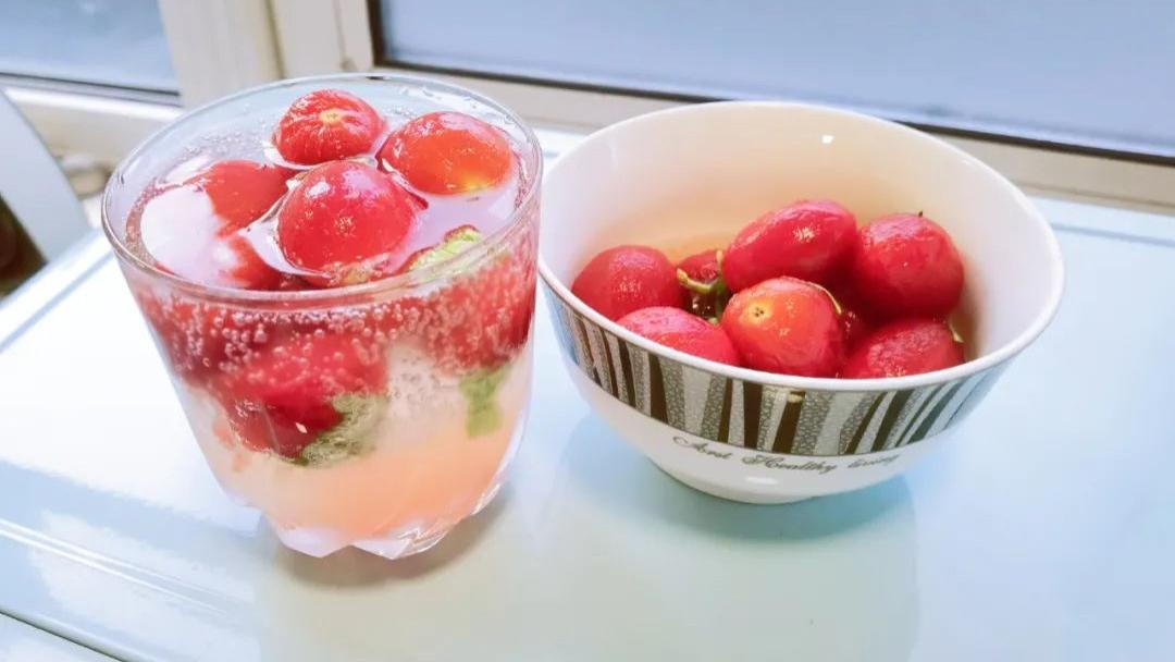 【辅食记】小番茄这么做,老少皆宜,能当菜吃也能当饮料喝