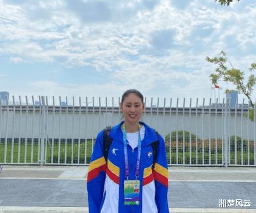 顏妮將擔任旗手,有4名排球隊員獲此殊榮,除顏妮朱婷王寧還有誰?