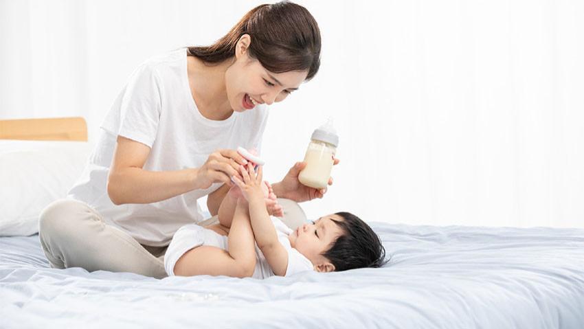宝宝便秘、消化不良?冲奶粉有讲究,6招冲好奶粉