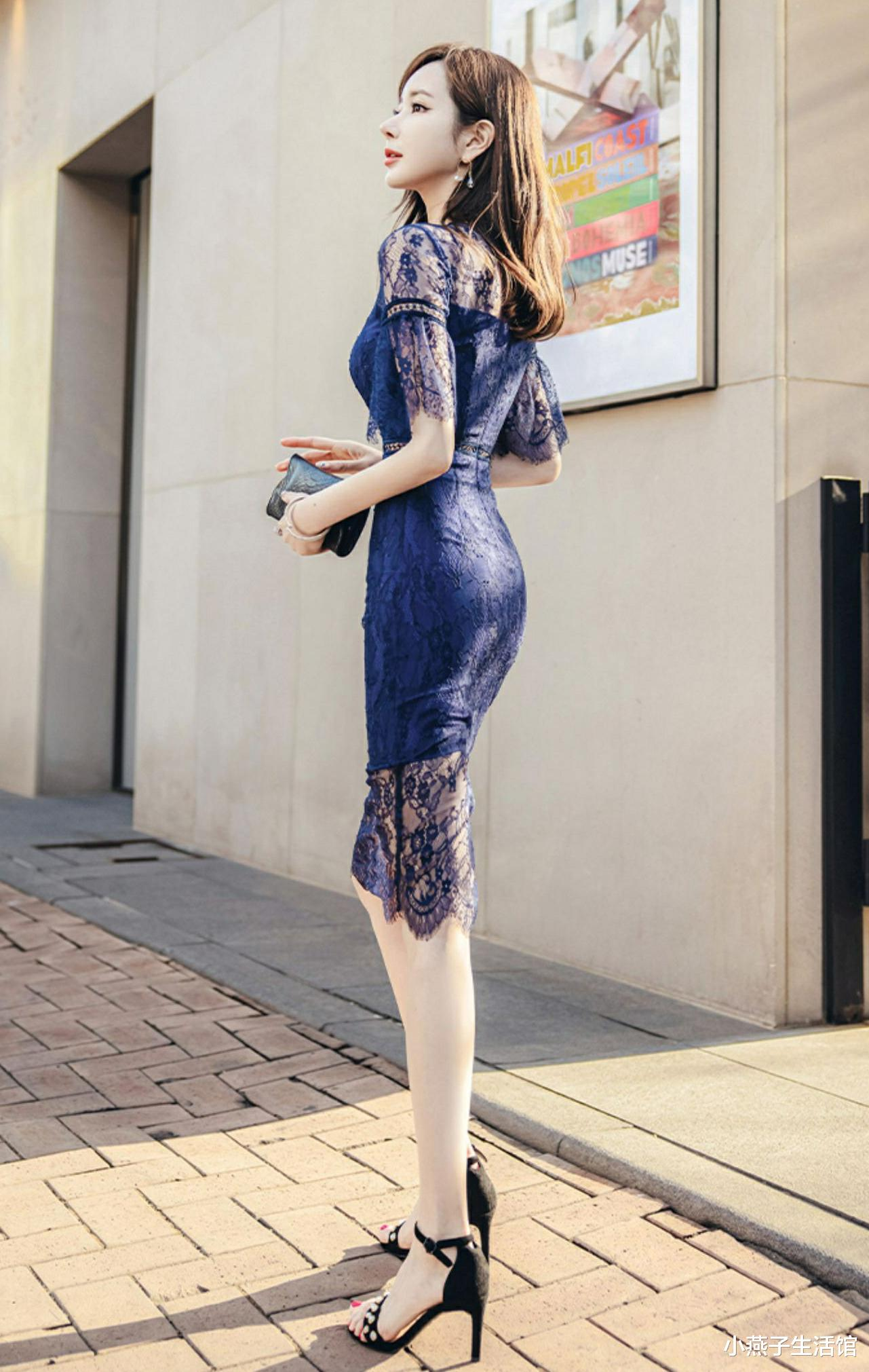 蓝色蕾丝装,享有女人味,气质绝佳显瘦修身