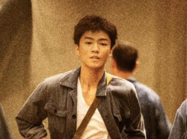王俊凯好事成双,刚获代言新剧将开播,剧名令观众自豪:熬夜也追