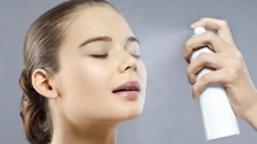 源自护肤:喷雾对改善敏感肌肤有帮助吗?注意防晒,尽量不化妆