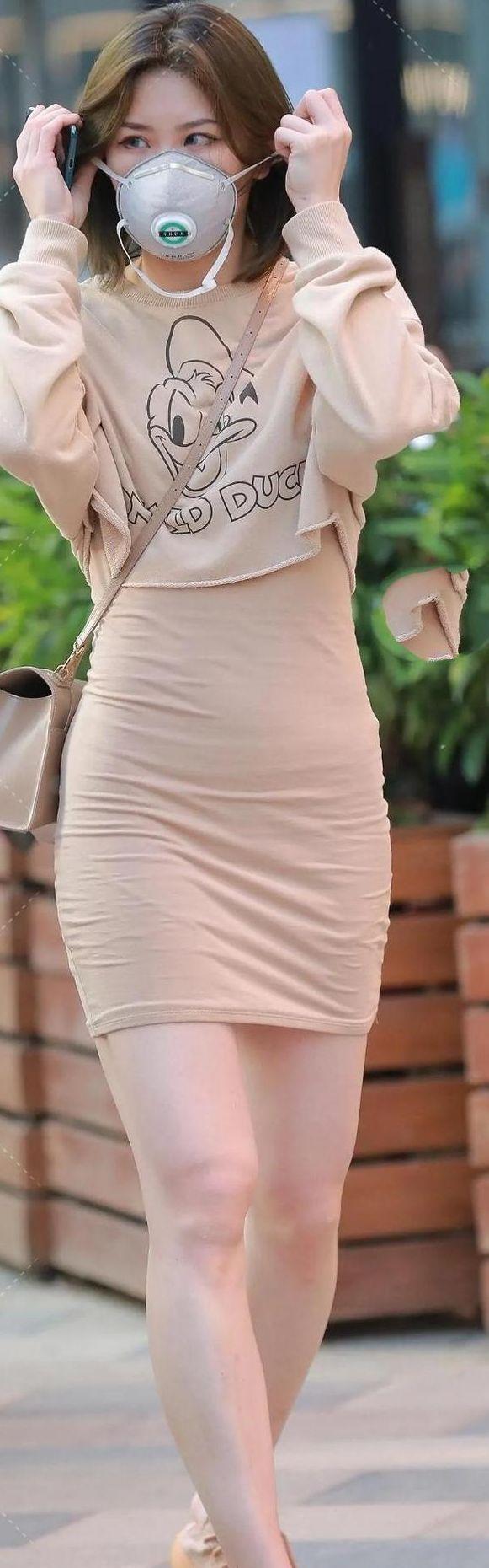 新闻娱乐头条_米色套裙,可抵火热的炎天