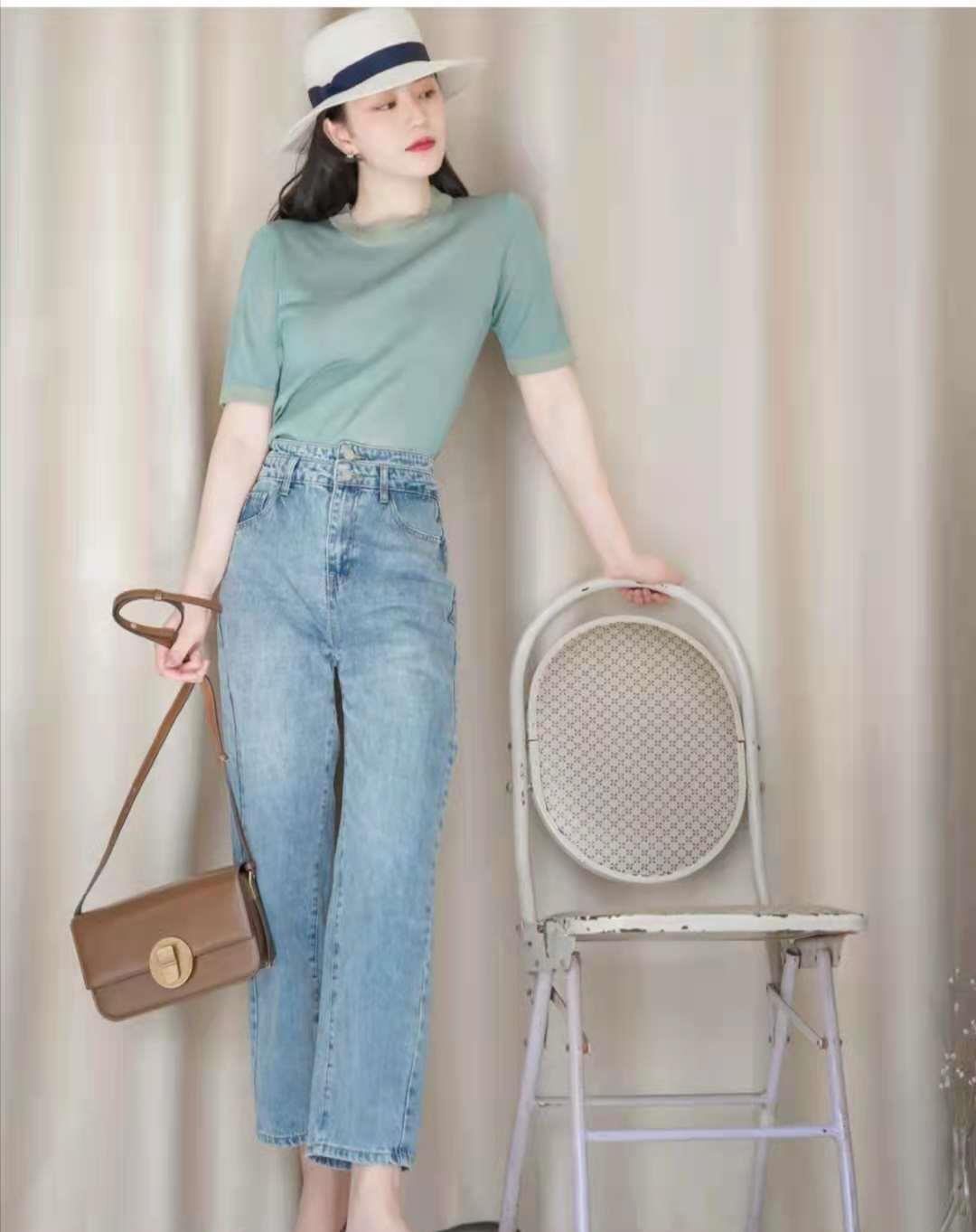 一组时尚达人的牛仔裤穿搭示范,你get到了吗?插图2