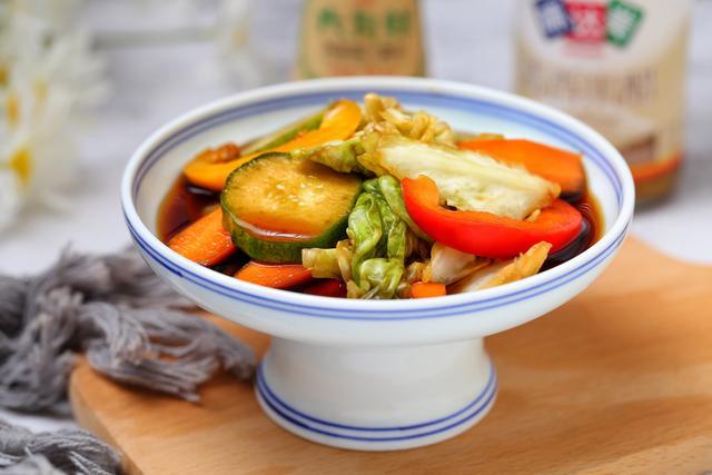 一到夏天我家就经常做这菜,清爽开胃不含油脂,比凉拌菜还简单!