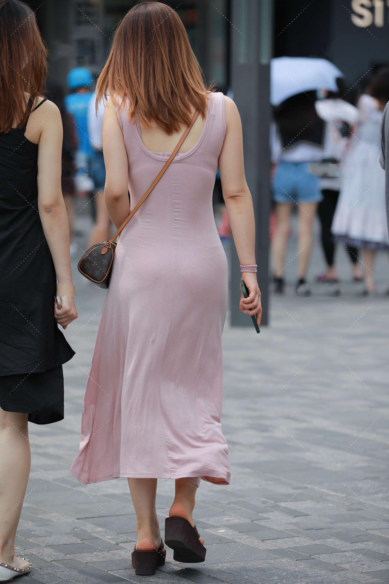 还不会挑选连衣裙?看这里,分享连衣裙挑选时候的一些小技巧