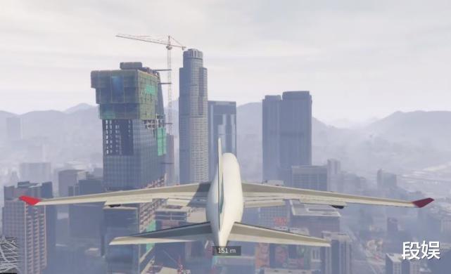 《【煜星代理注册】在《GTA5》中进行破坏测试,用最大的载具,撞最高的楼会怎样?》