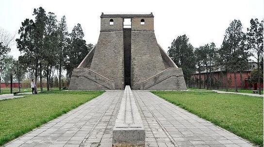 """旅客看到河南""""不雅星台""""景点,网友回应:中国古修建很"""