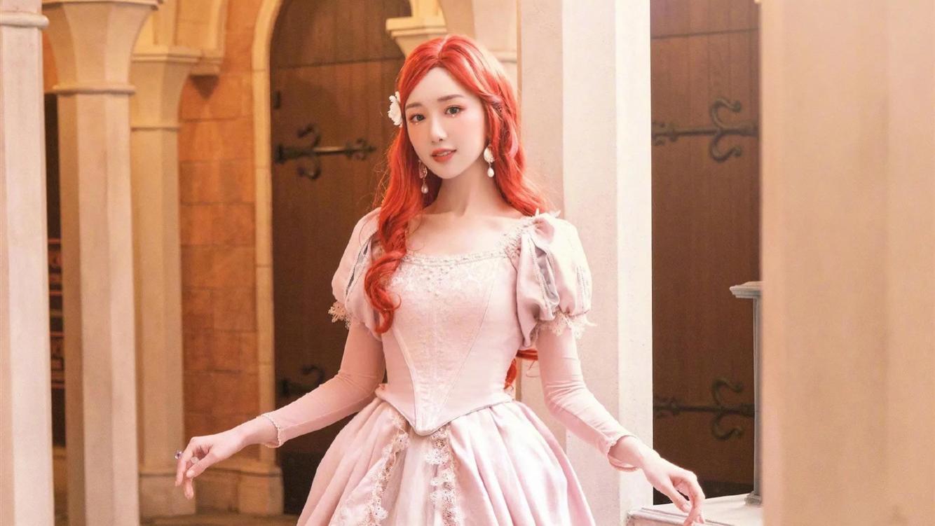 """毛晓彤""""本色出演"""",穿粉色公主裙扮""""迪士尼公主"""",太可爱了"""