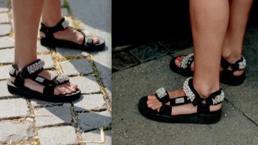 夏天穿鞋子别再捂着了,露出脚趾更清凉,时髦精们都挺爱穿的