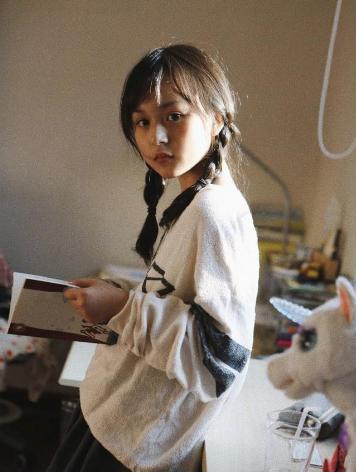"""她2岁出道年入百万,因颜值太高""""被禁止整容"""",如今11岁变这样"""