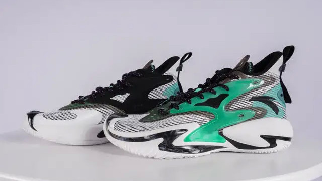 球鞋开箱丨安踏狂潮3代,性价比很高的外场战靴