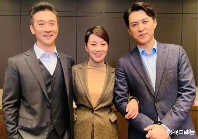 靳东两部剧排播,再战职场,更要挑战《人民的名义》破八的收视率(靳东的剧为何收视率高)